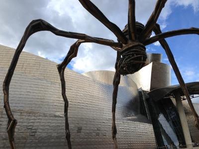 Guggenheim Bilbao mit Spinne