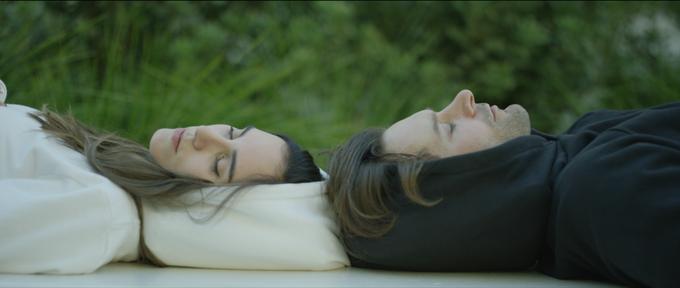 Das bequeme Kissen für jede Lebenslage: der Hypnos Hoodie (c) kickstarter.com